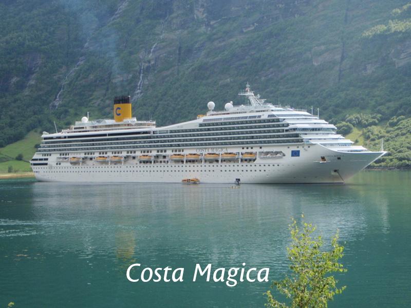 Navi da crociera for Costa magica immagini